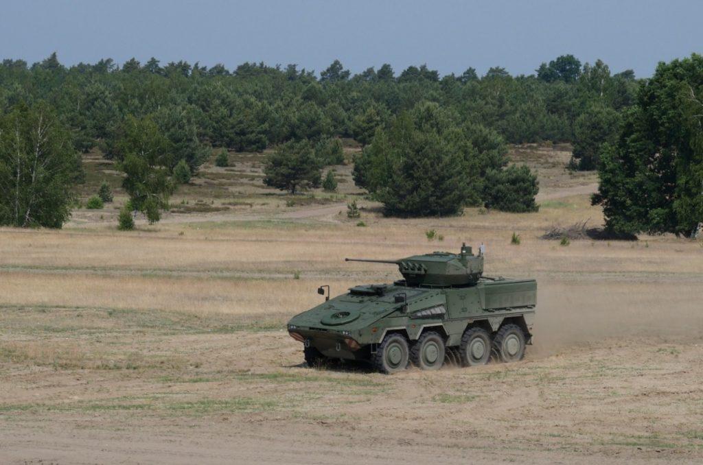 Erste Infanteriekampffahrzeuge Boxer an Litauen ausgeliefert